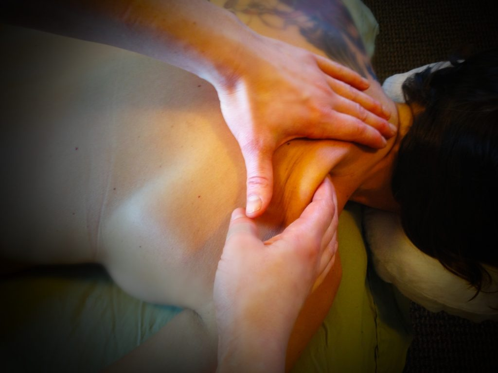 deep tissue massage - le reve spa